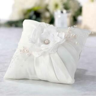 Ringkussen Off White Handmade Flower