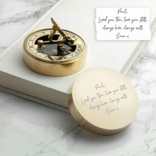 Handschrift Gegraveerd Zonnewijzer Kompas